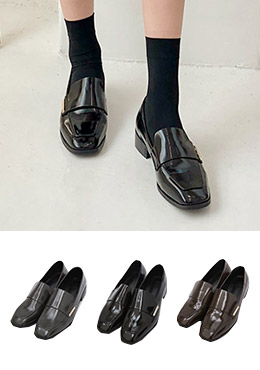 92c275cb9b25 CHUU  Take A Step Further Shoes - I know you wanna kiss me. Thank ...