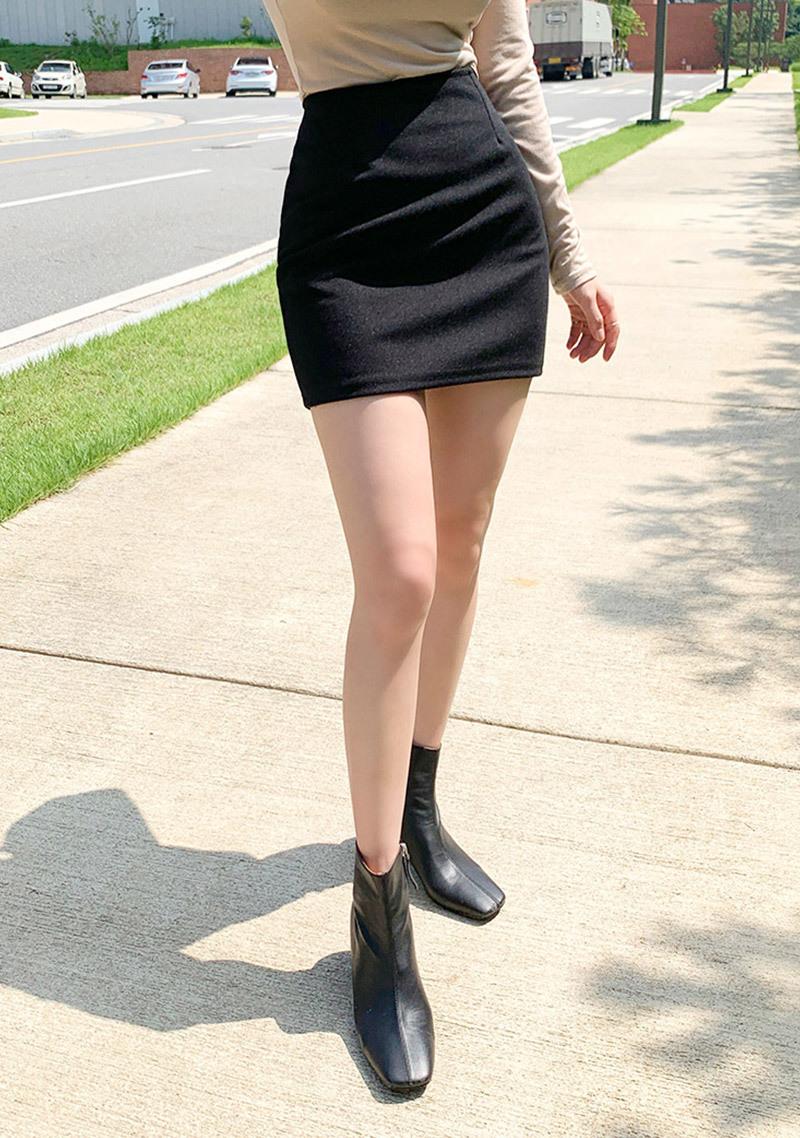 simple-pro-mood-mini-skirt by chuu
