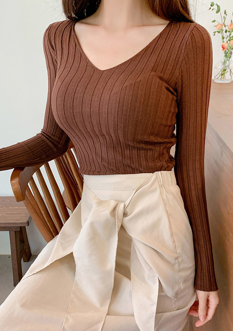Neat Body Knit Top by Chuu
